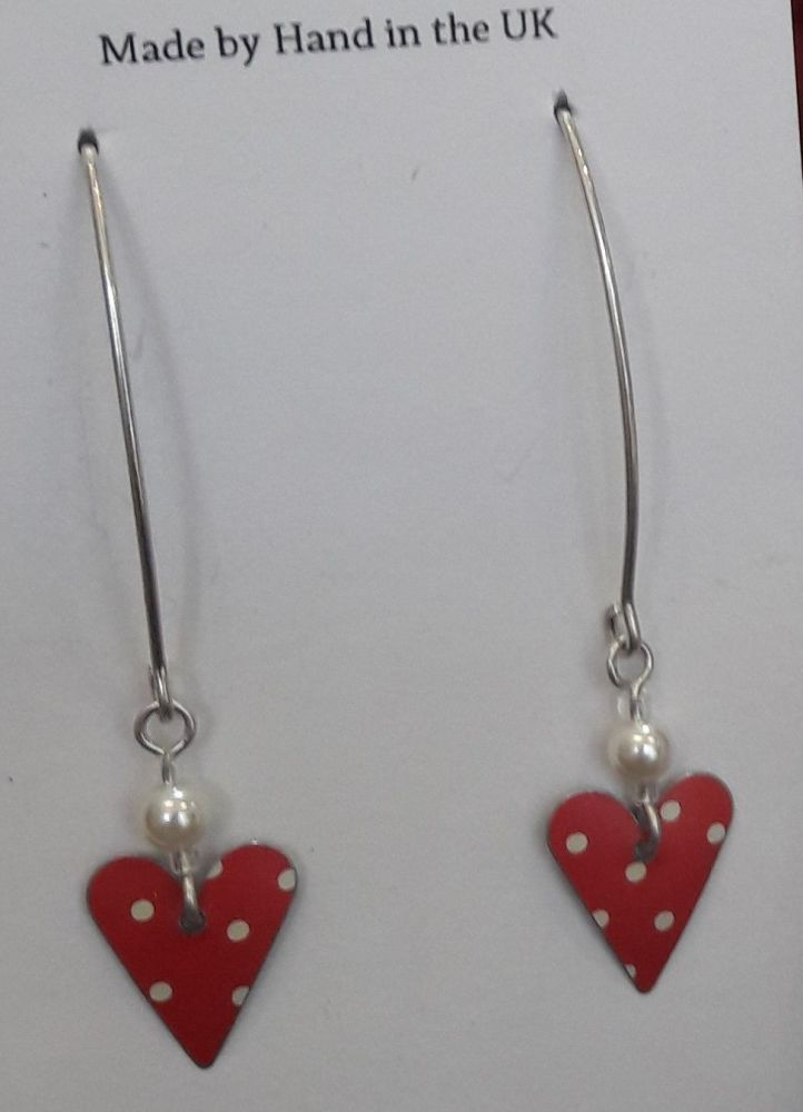 Red spot heart earrings with pearl