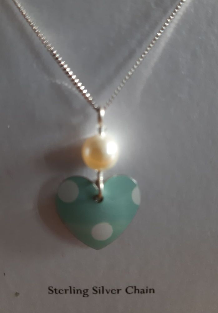 Mint spot heart necklace with pearl