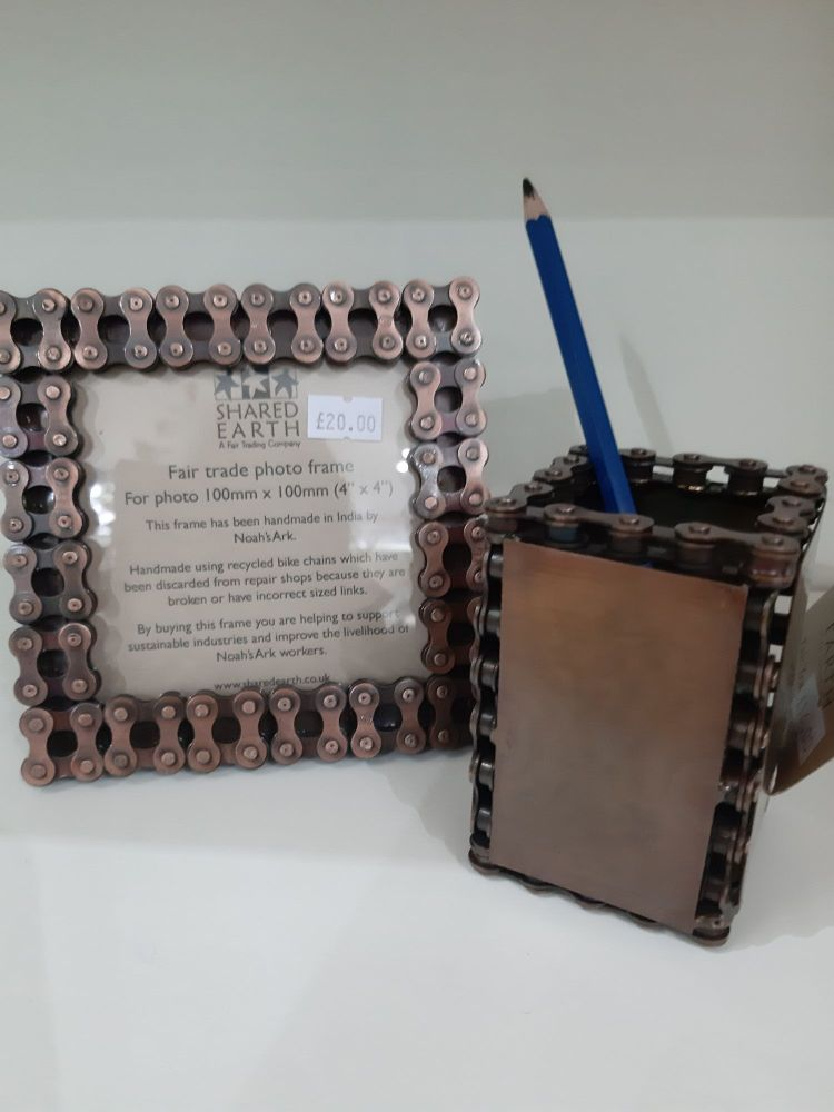Pencil pot made from recycled bicycle chains