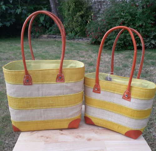 Medium yellow stripe basket