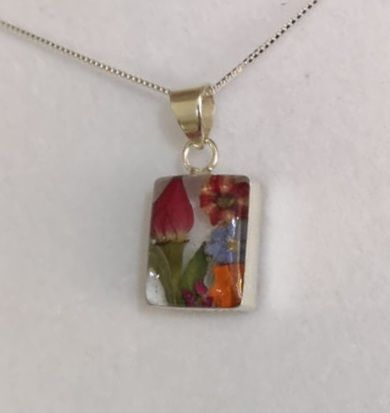 Mixed flower square pendant