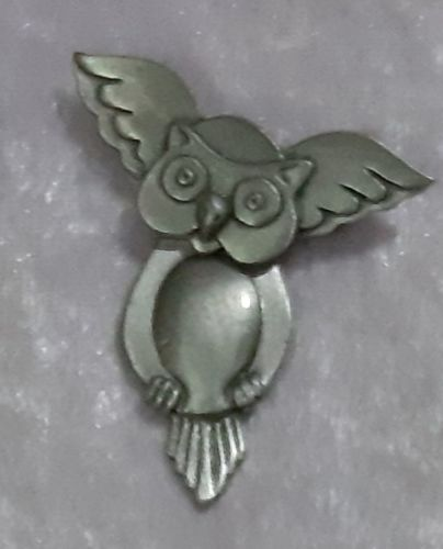 Swinging Owl pewter Brooch