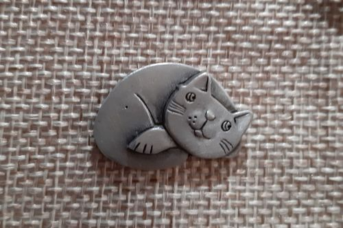 Cute Cozy cat  lapel pin