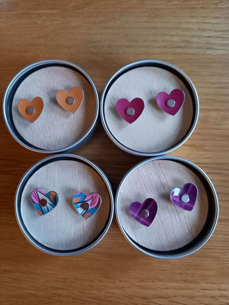Biscuit tin heart studs
