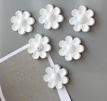 Magnet or Push-pin - 6 Giant sized Daisies