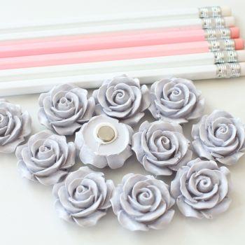 Ornate rose - Pale grey