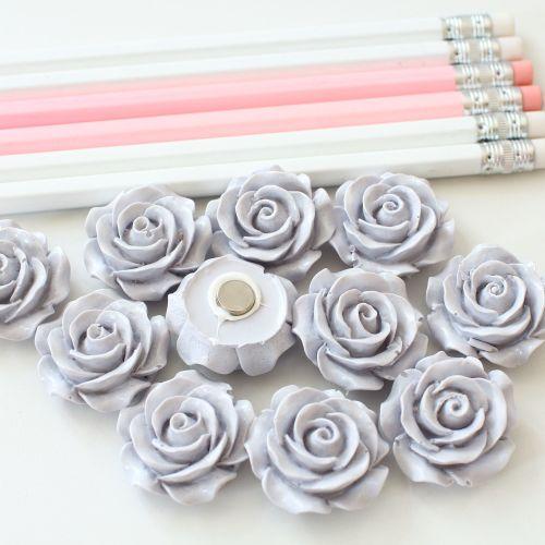Ornate rose - Pale blue