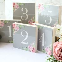 <!-- 017 -->Delicate Florals - Double-sided Table numbers