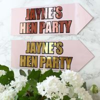 <!-- 004 -->Hen Party - Metal arrows