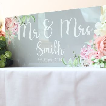 Delicate florals - Mr & Mrs Top Table Sign