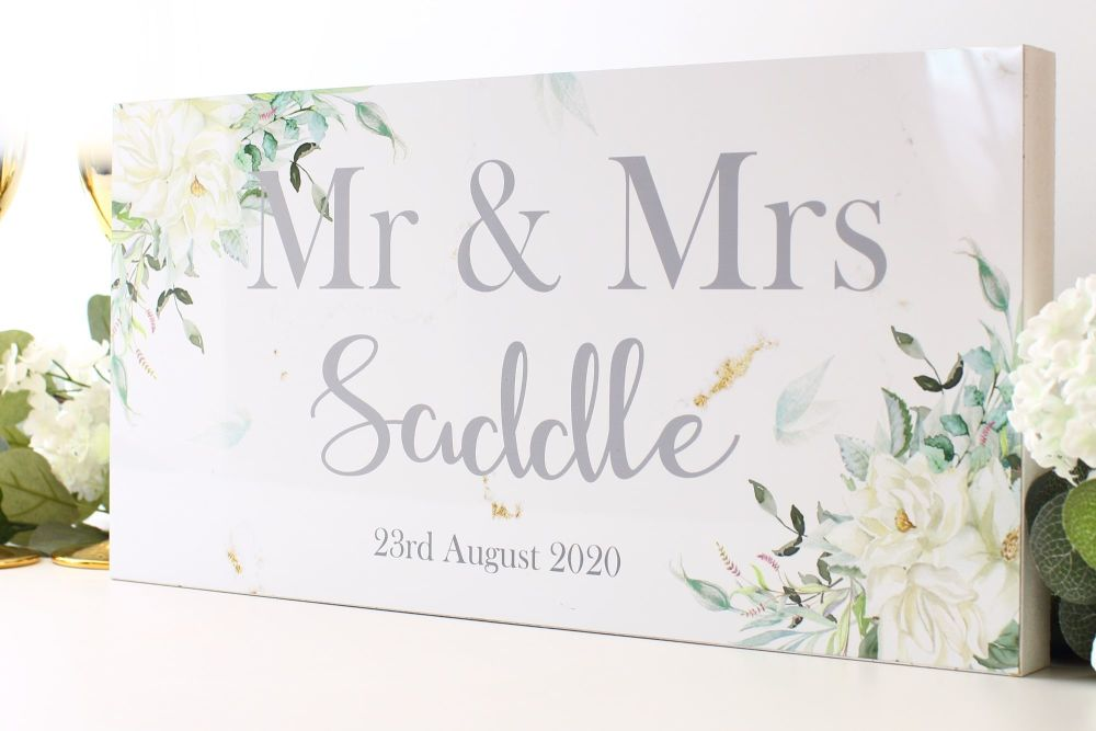 <!-- 168-->Botanical Collection - Mr & Mrs Top Table Sign