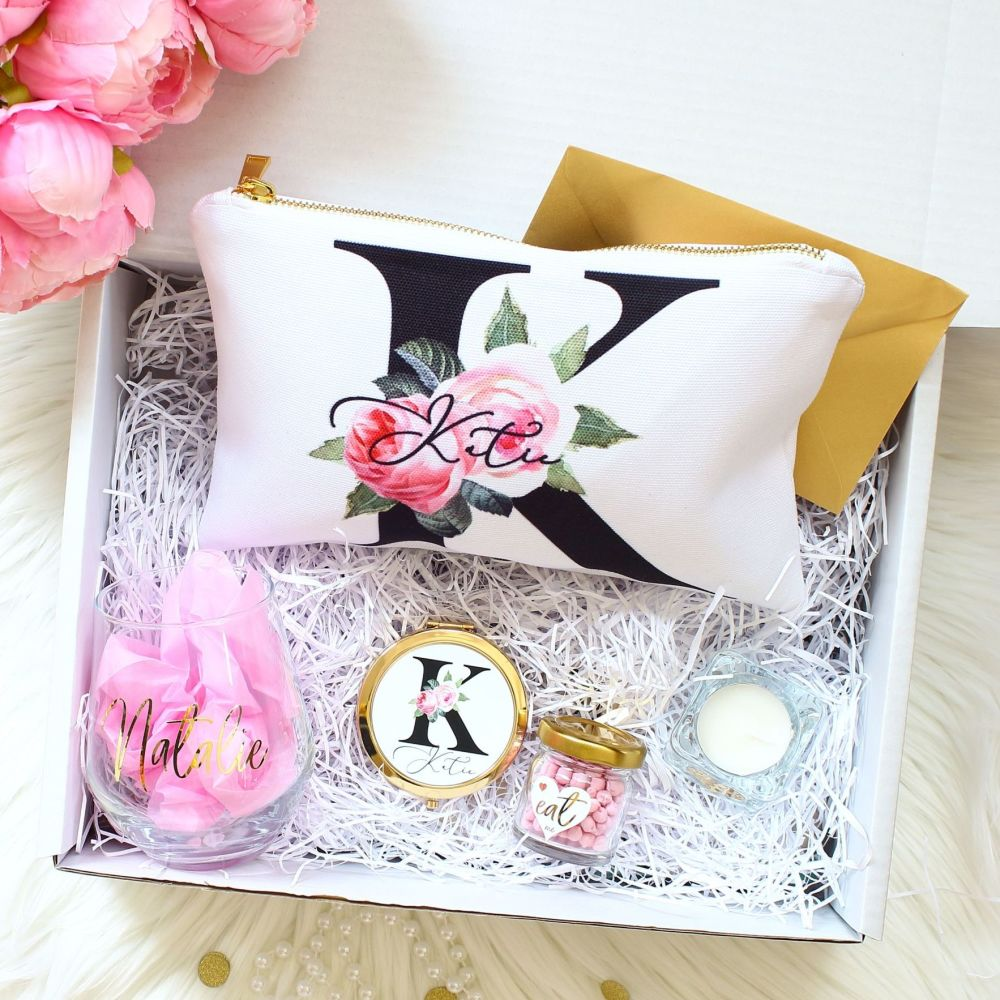 <!-- 077--> Gift Box - Rose Garden Monogram