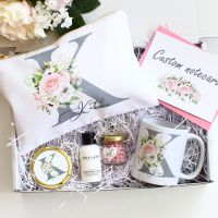 <!-- 073--> Gift set- Floral monogram