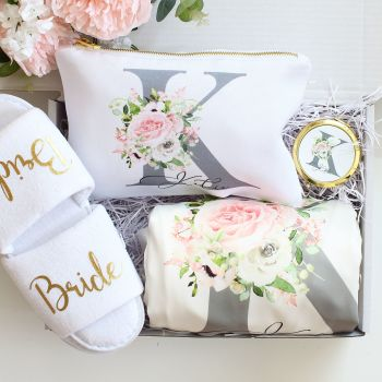 Bridal gift set - Floral monogram (25 designs to choose)