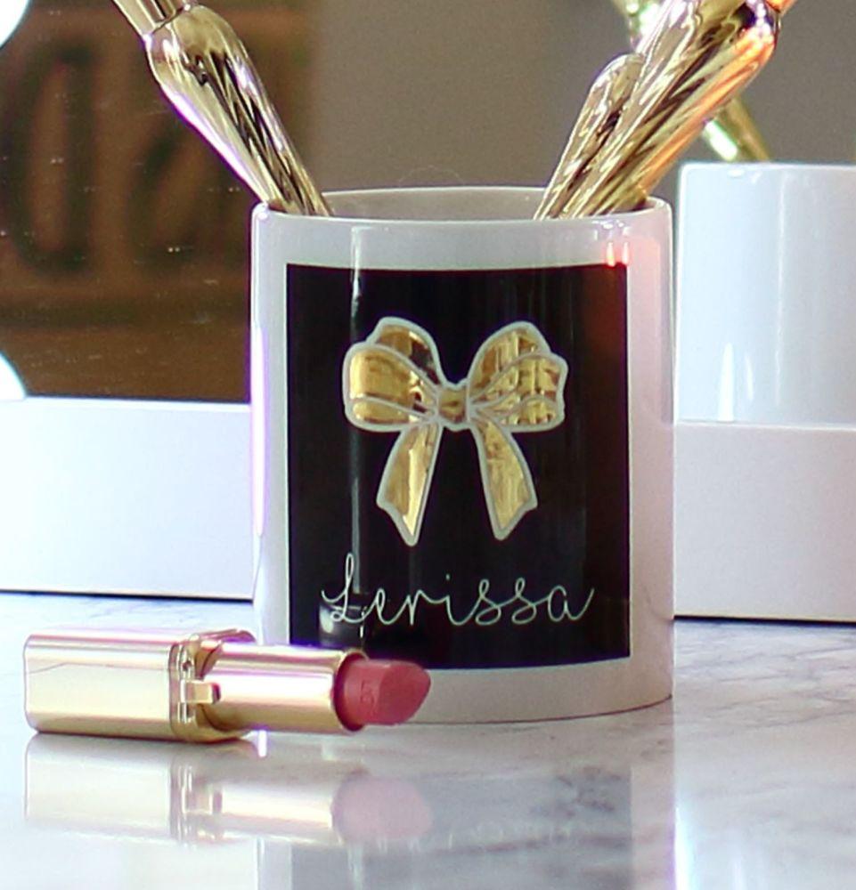 <!-- 060--> Ceramic pot - TLC bow