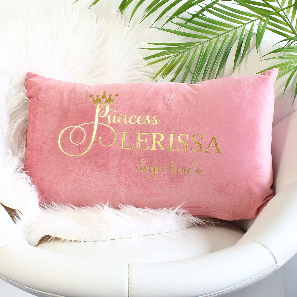 <!-- 083 --> Velvet cushion - Princess