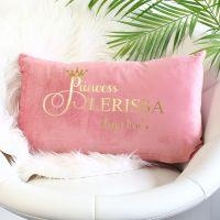 <!-- 083 --> Velvet cushion - Princess
