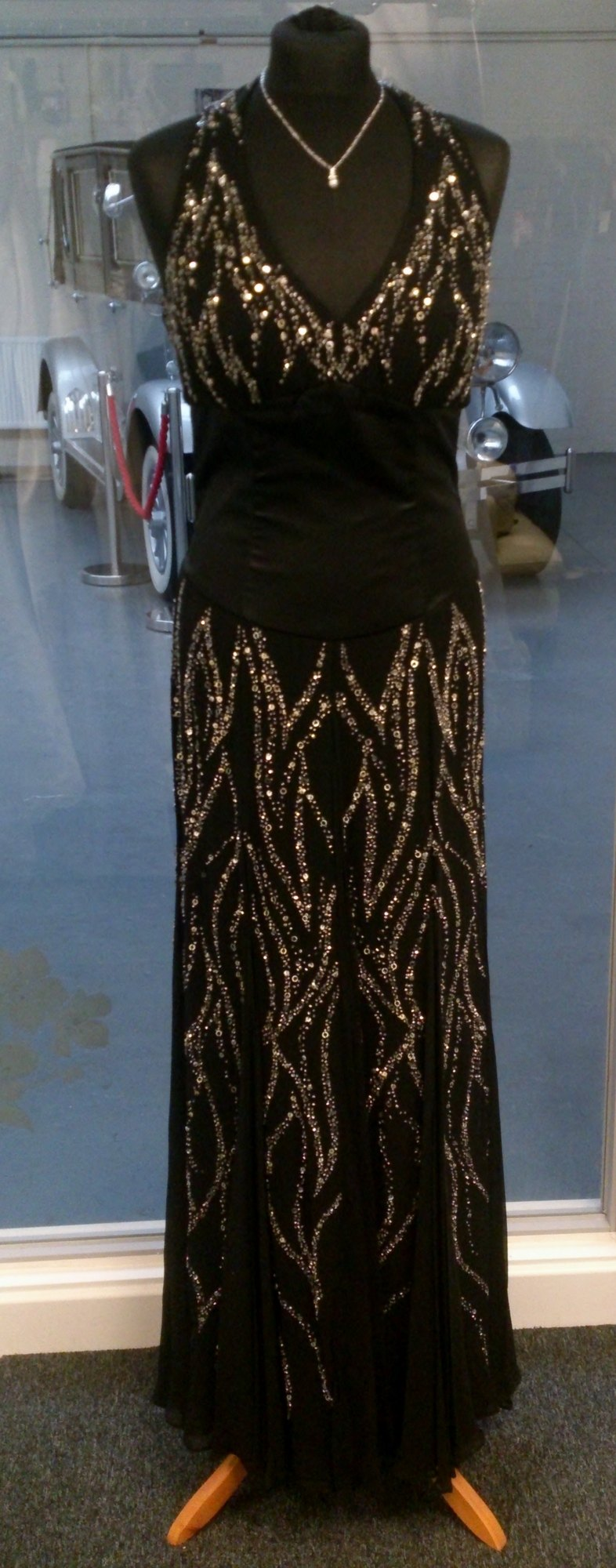 Stunning Black Halter Full Length Dress - Size 12 - Dynasty
