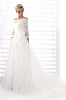 Aniia Ivory Lace A-Line Wedding Gown - Size 14 - Sample Sale Dress