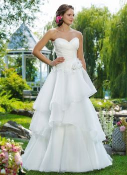 New Sweetheart Ivory Organza A-Line Gown - Style 6100 - Size 20 42% OFF RRP