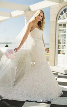 Stella York Lace Trumpet Style Gown - Style 5865 - Size 14 - Sample Sale Dress