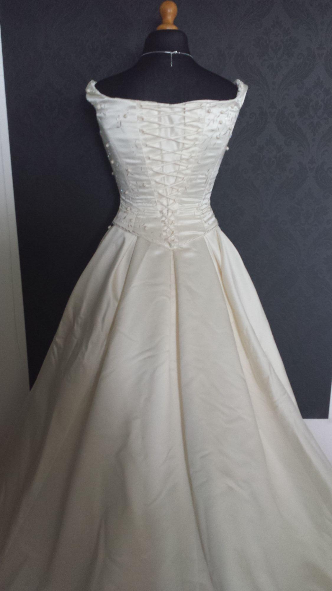 Bridal Sale - Pre-Loved WD (22).jpg