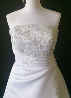 NEW MoriLee by Madeline Gardiner Stunning White Wedding Gown - Size 10/12