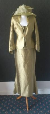 Presen De Luxe Stunning 3 Piece Mother of Bride Suit - Size 10