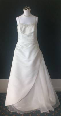 NEW Forever Yours Beautiful Ivory Wedding Gown with Diamonte Detail - Size
