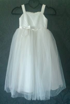 Lovely Linzi Jay Ivory Tuile Flower Girl Dress - Age 4-5yrs - Ex-Sample