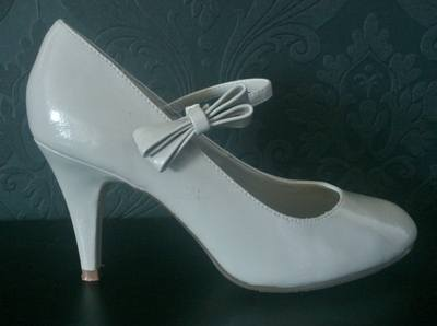 New Look Grey Court Shoe with Bow Detail - Size 4