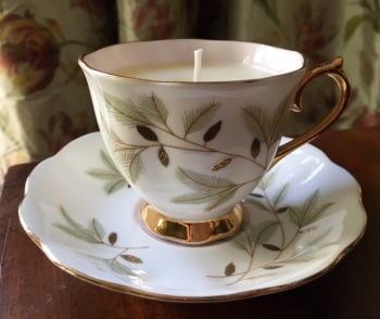 "Royal Albert ""Braemar"", Winter Spice Teacup Candle"