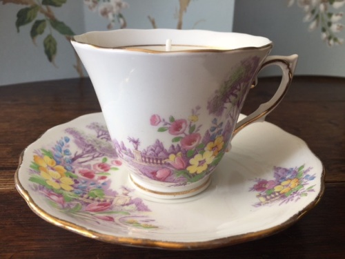 Colclough, Pomegranate & White Fig Teacup Candle