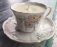 Heathcote bone china, English Pear & Freesia Teacup Candle