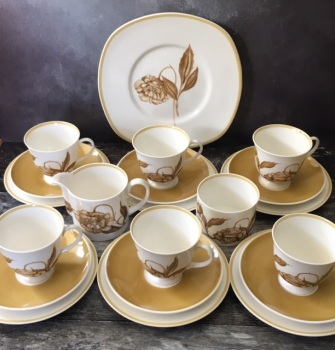 "Susie Cooper ""Solera"" Tea Set for Six"