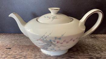 "Royal Standard ""Giselle"" 3 - 4 Cup Teapot"
