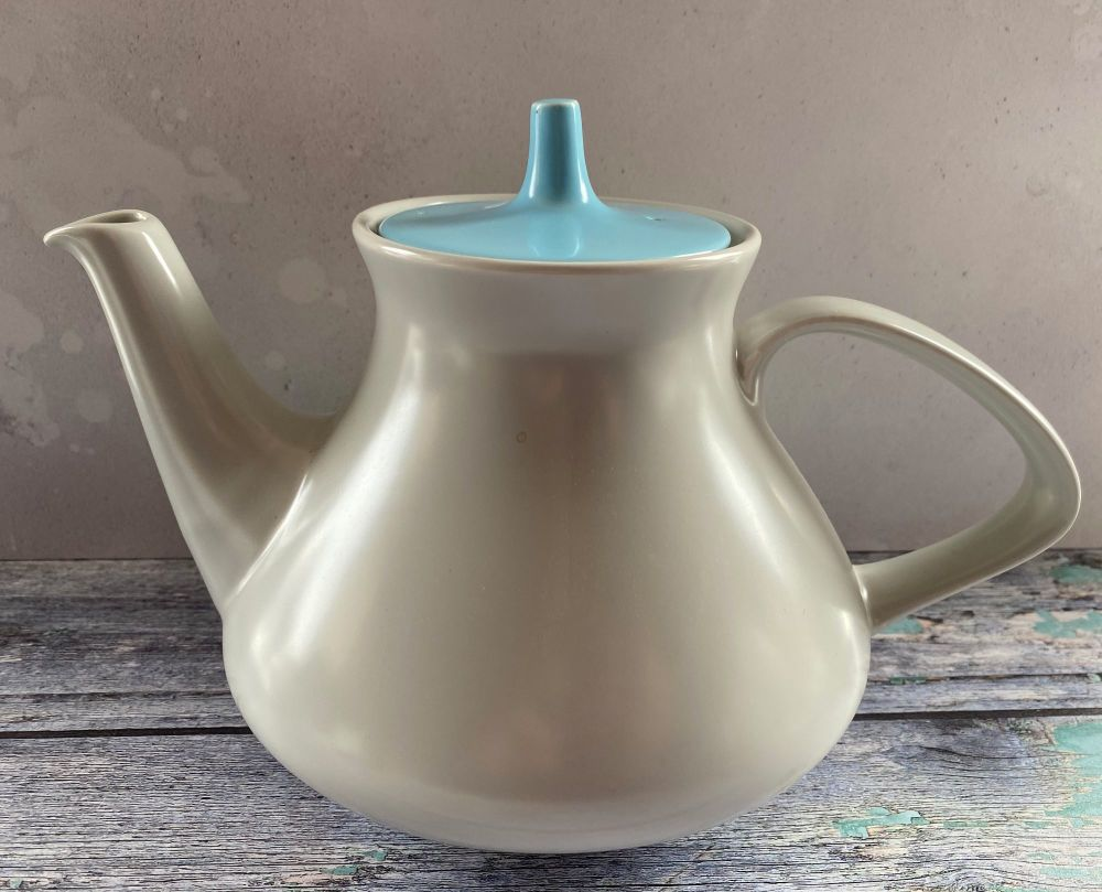 Poole Pottery 6 - 8 Cup Teapot