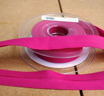 Bias Binding 25mm - Bright Pink 768 - Polycotton - Metre