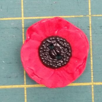Trimits - Poppy Button - 2 Hole - 28mm - priced individually