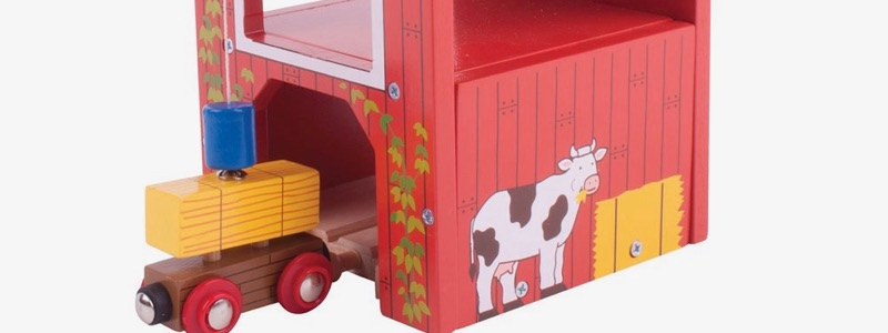 Wooden Railways Farm Hay Barn