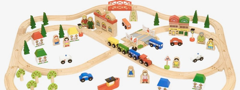 Wooden Railways Town and Country Train Set