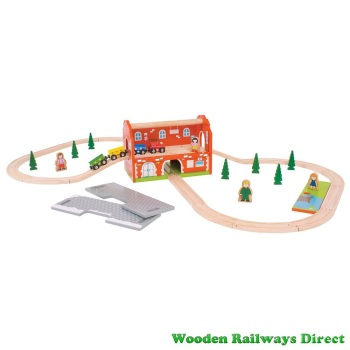 Bigjigs Railway Station Carry Train Set
