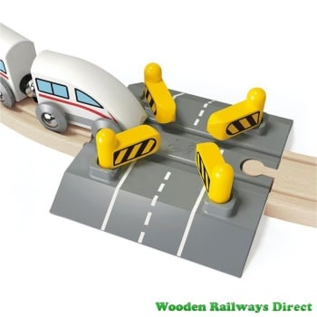 Hape Wooden Railway Automatic Gates Rail Crossing