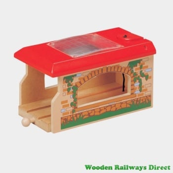 Wooden Railway Single Engine Shed