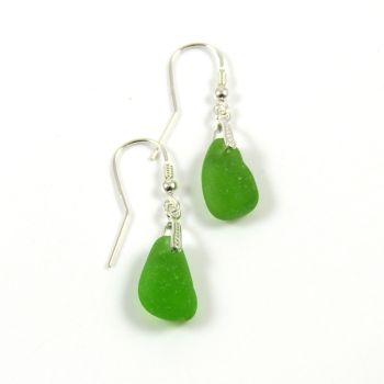 Emerald Green Sea Glass Drop Earrings e58