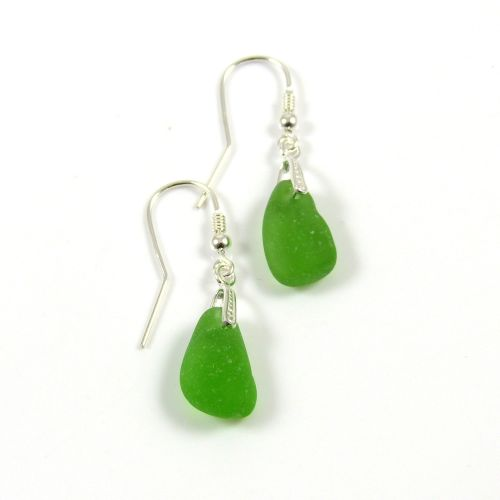 Emerald Green Sea Glass Drop Earrings e58