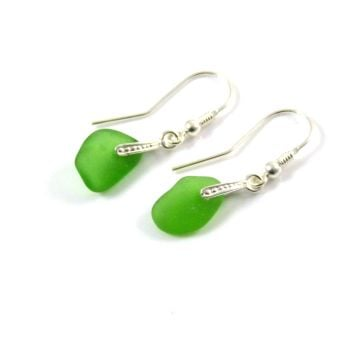 Emerald Green Sea Glass Drop Earrings e67