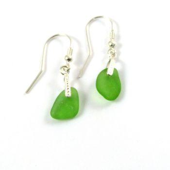 Emerald Green Sea Glass Drop Earrings e65
