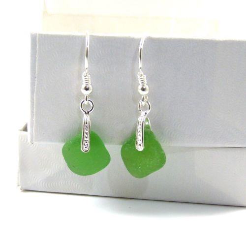 Emerald Green Sea Glass Drop Earrings e71