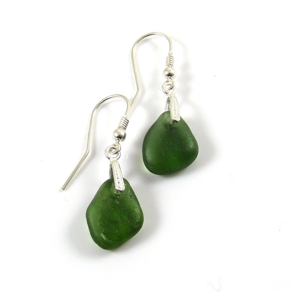 Hunter Green Sea Glass Drop Earrings e70